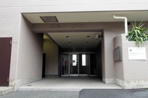 ライオンズマンション中央本町のエントランス
