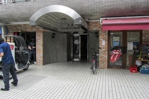 中銀マーブルマンシオン新宿5丁目のエントランス