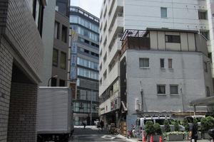 プラザ西新宿の外観