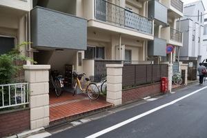江古田サニーコーポのエントランス