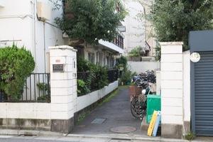 中野富士見町タウンハウスのエントランス