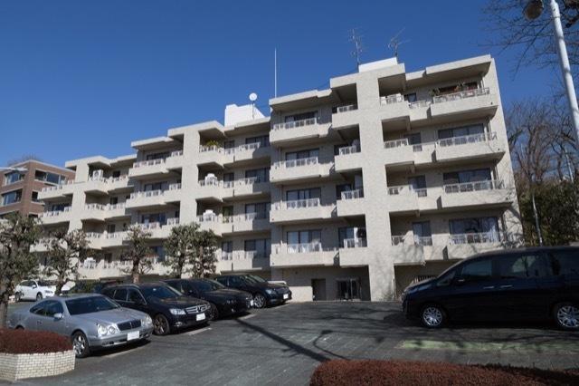岡本タウンハウスの外観
