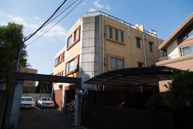 ラビ世田谷公園通りの外観