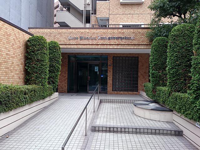 ライオンズマンション多摩川緑地のエントランス
