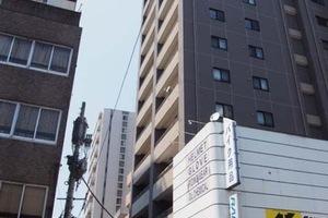 プレシス上野駅前の外観