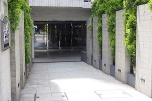 プレールドゥーク東京EAST5のエントランス