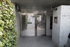 コーポラティブハウス杉並松庵のエントランス