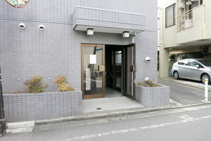 カテリーナ笹塚のエントランス