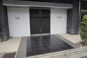 プレミアムキューブ三田のエントランス