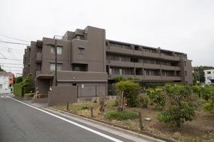 上井草ヒルズの外観