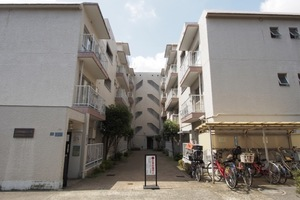 三田南常盤台コーポの外観