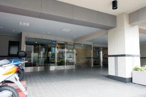 ライオンズマンション西新井高道公園のエントランス