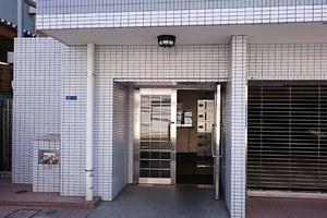 グランドーム羽田のエントランス