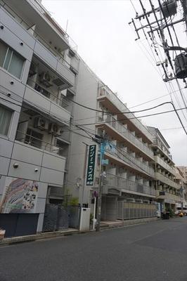 メインステージ新丸子駅前の外観