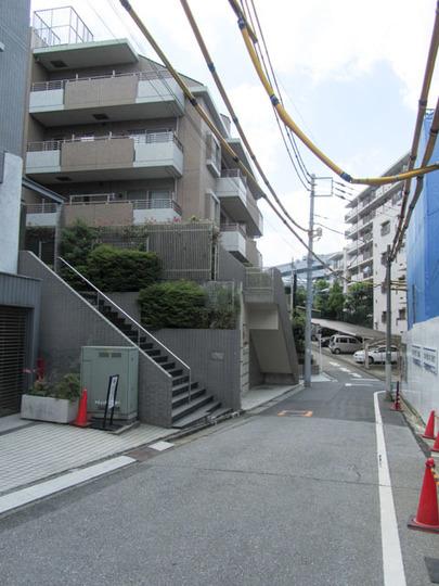 クレッセント戸山夏目坂の外観