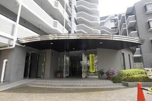 竹ノ塚ガーデンハウスのエントランス