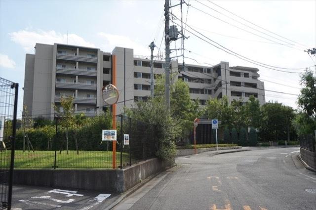 クレストレジデンス新川崎の外観
