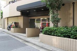 東急ドエルアルス早稲田のエントランス