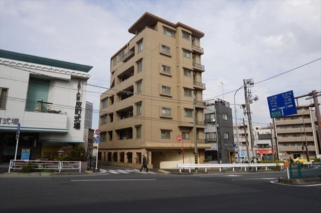 ヴェルビュ横浜反町の外観