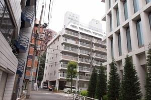 小田急駿河台マンションの外観