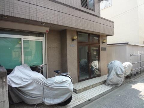 菖蒲園マンションのエントランス