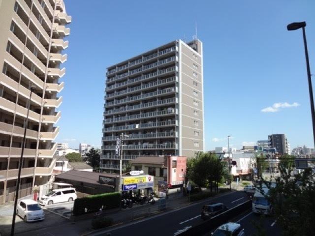 コスモお花茶屋3番館の外観