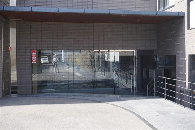 グリーンパーク駒込染井坂のエントランス