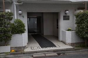 四谷軒経堂クリスコーポのエントランス