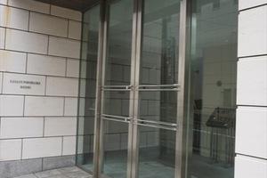 レグラス横浜メディオのエントランス