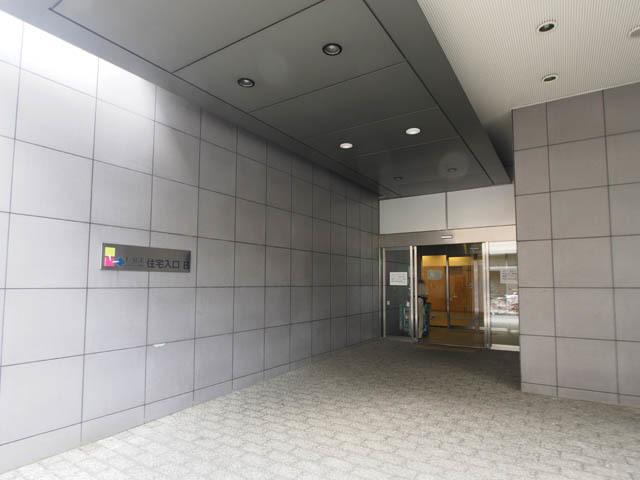 エルアージュ小石川のエントランス