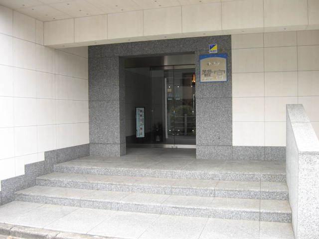 イトーピア鷺ノ宮のエントランス
