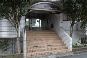 朝日プラザ桜新町のエントランス