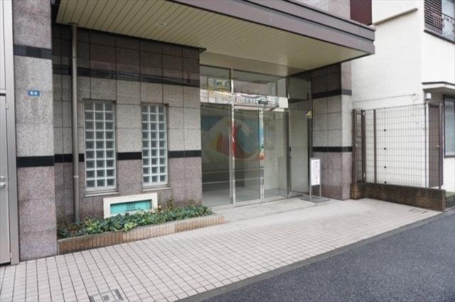 日神デュオステージ横浜のエントランス
