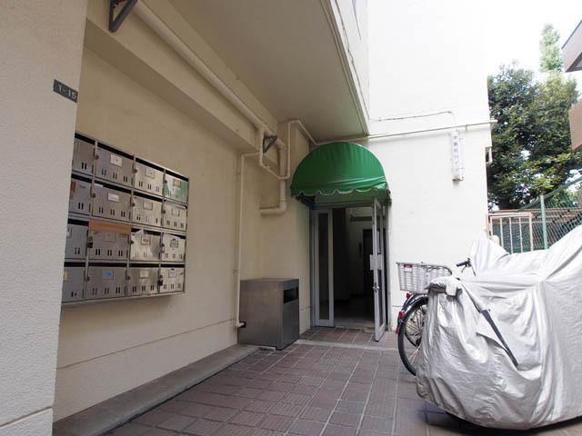 学園台ハイツ(文京区)のエントランス