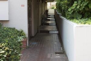 清水ガーデンホームズのエントランス