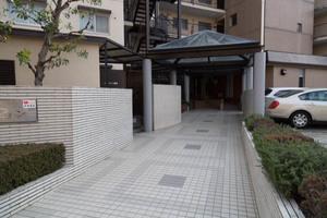 日商岩井第1玉川台マンションのエントランス