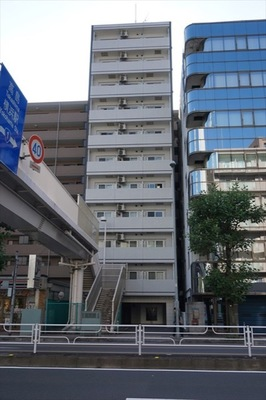 ラシード東神奈川駅前の外観