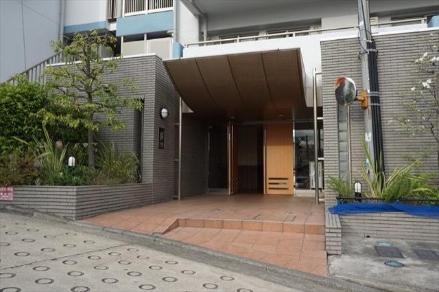 ソフィア横浜のエントランス