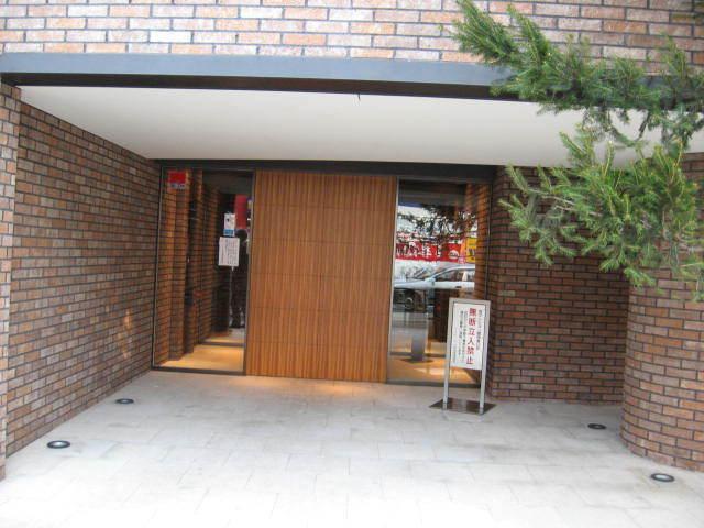 フィールE北新宿のエントランス