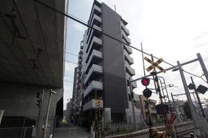 ヴァレッシア椎名町駅前シティの外観