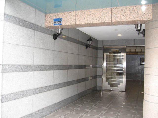 セザール西新井のエントランス