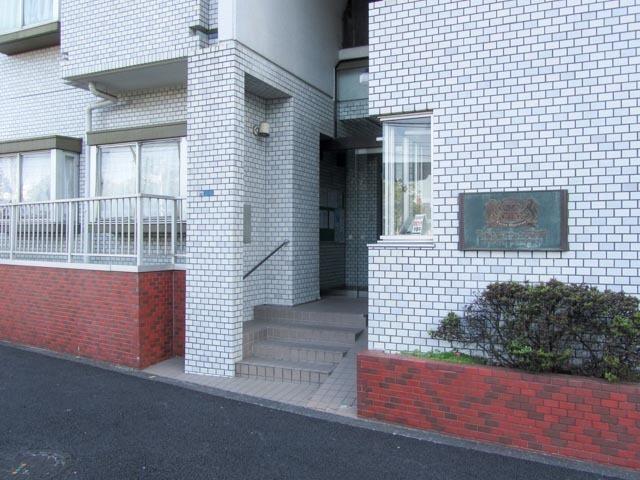 ライオンズマンション西早稲田のエントランス