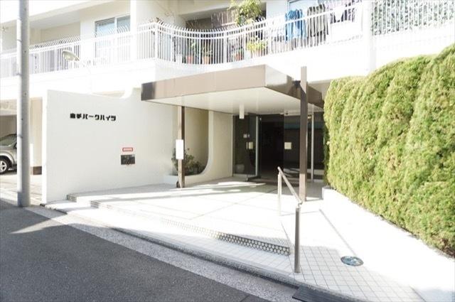 横浜山手パークハイツのエントランス