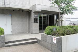 ルーブル新宿西落合7番館のエントランス