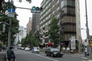 バラードハイム新宿渡辺ビルの外観