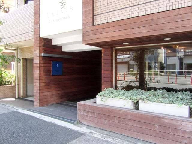 ユニーブル柿ノ木坂のエントランス