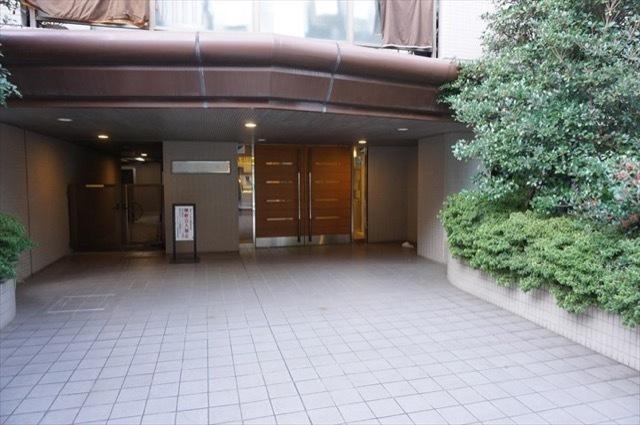 プライムコート鶴見のエントランス