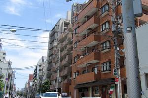 ライオンズマンション矢来町の外観