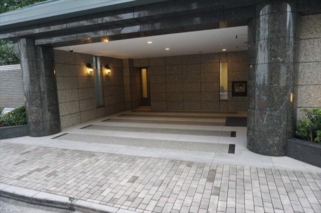 パークコート三田綱町のエントランス
