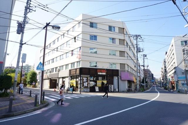 東神奈川共同ビルA棟の外観